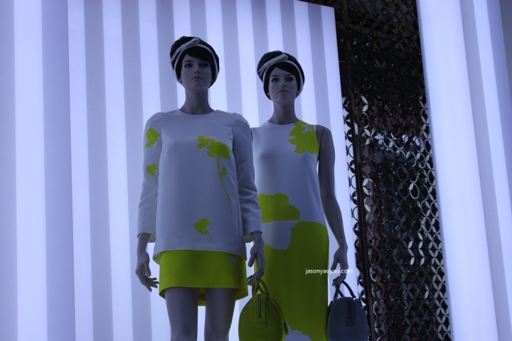 LOUIS VUITTON windows display bond street