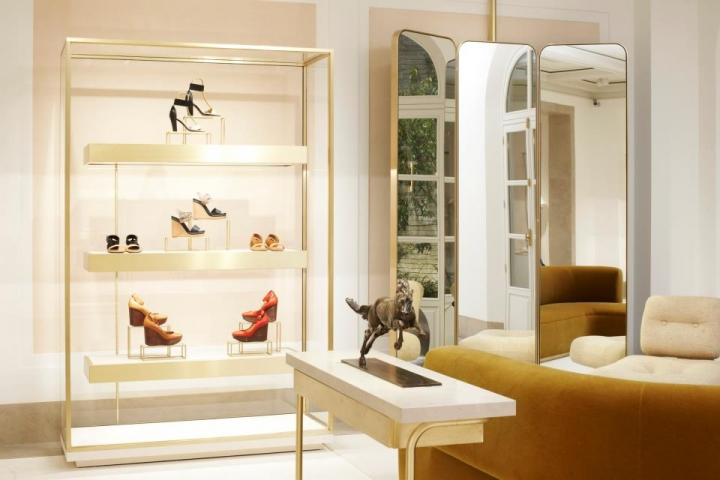 This new flagship store is all about a personal-shopper-like approach. We  await you to experience this unique and new way of shopping at the Chloé  Maison. ee2ca60937d