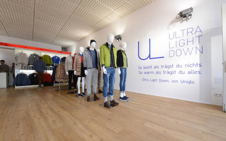 Uniqlo - Pop-up Store Roadshow by LIGANOVA