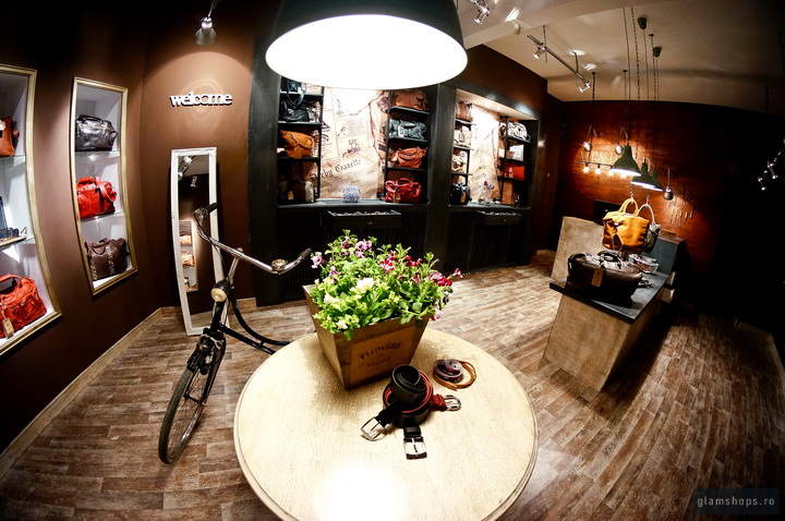 Menhard store in Sibiu by Glamshops