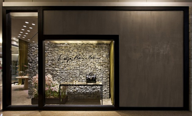 Walls of rocks in Luiza Barcelos shoe store by Pedro Lazaro