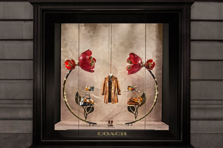Coach - Bloom  window