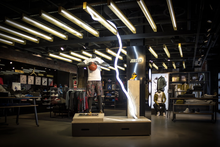 Speed and Lightening for Nike by Green Room Design