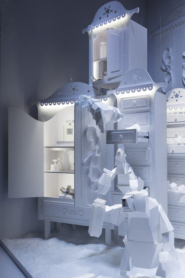 Galeries Lafayette - Arctic Christmas by  Lorenzo Papace