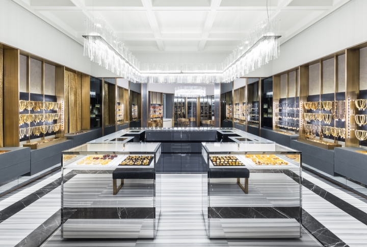 Amber&Art first flagship store in Saint Petersburg by Piuarch