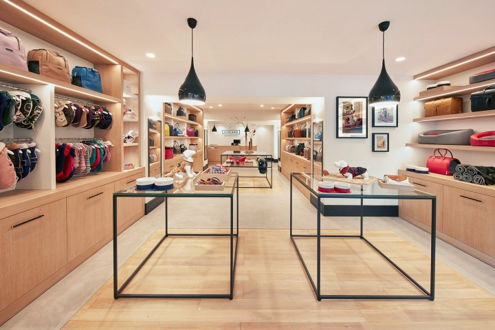 Cyriano Dogwear Outfit store by Marçal Prats, Enric Cano & Isaac Santos, Barcelona