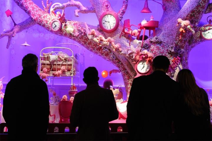 """""""Alice au pays des merveilles"""" shop windows for Galeries Lafayette"""