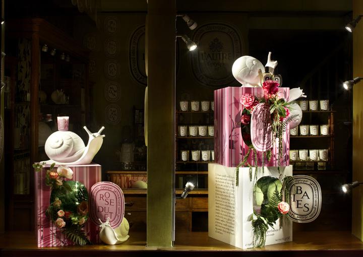 Diptyque Rose Duet windows by Alexandre Roussard, Paris