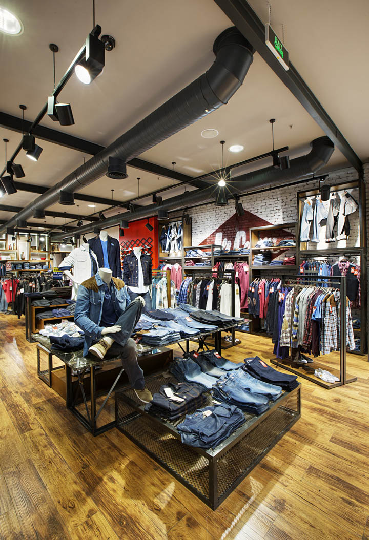 Lee Cooper store design by CBTE MIMARLIK, Istanbul