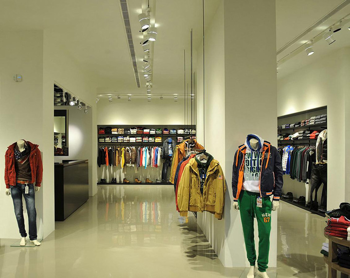 Muratti Uomo Shop by Lantavos Projects, Athens