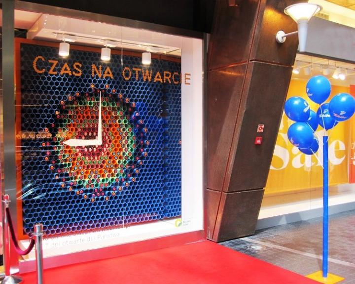 Tchibo Clock Watch Window Display by Smuga