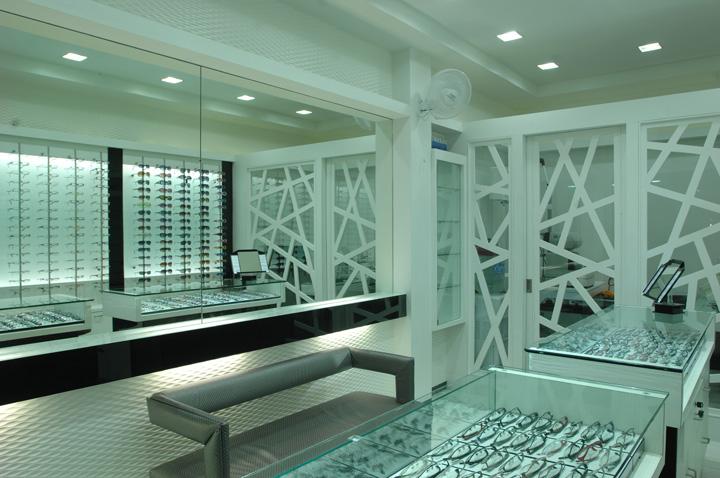 Optic store by studio 7 designs, Vadodara – India