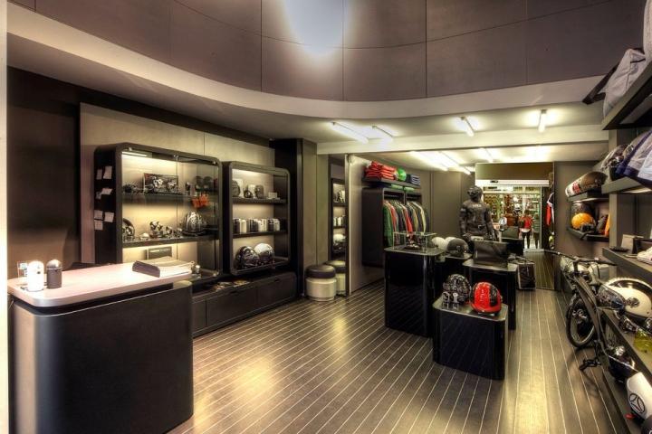 MOMODESIGN flagship store, Milan