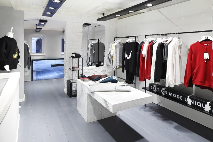 Section Mode Unique store by 'i-am' associates, Istanbul – Turkey