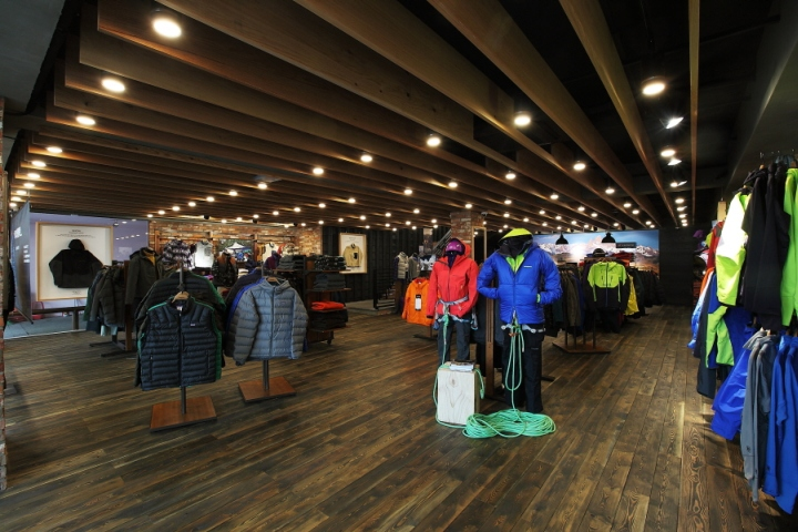 Patagonia store by DesignAD4M+SYSP, Seoul
