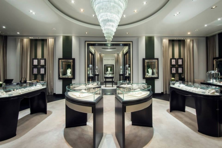Van Cleef & Arpels boutique at The Galleria in Abu Dhabi