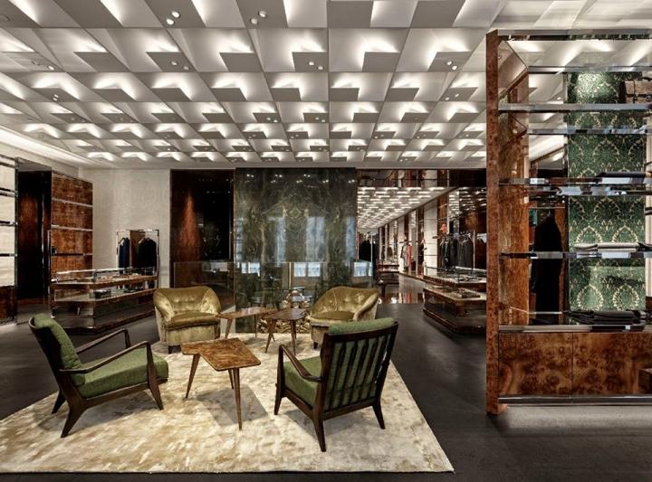 Dolce&Gabbana new flagship store in Milan on Via Montenapoleone