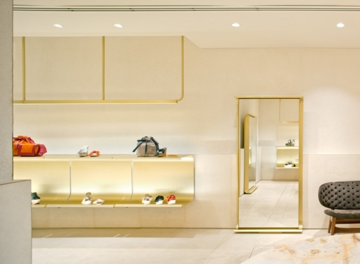 SHOWROOM PALOMA BARCELO by Mide architetti
